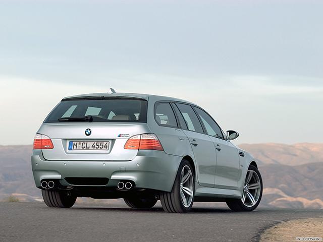 1-1 BMW M5旅行版E61