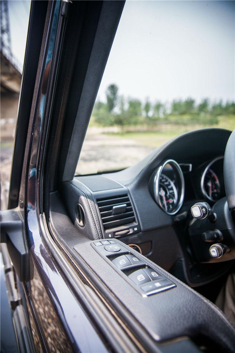 豪华SUV 011