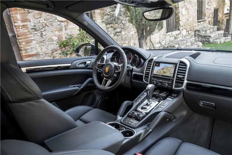 半边天 Porsche Cayenne04