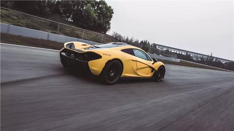 拜神 McLaren P1 002