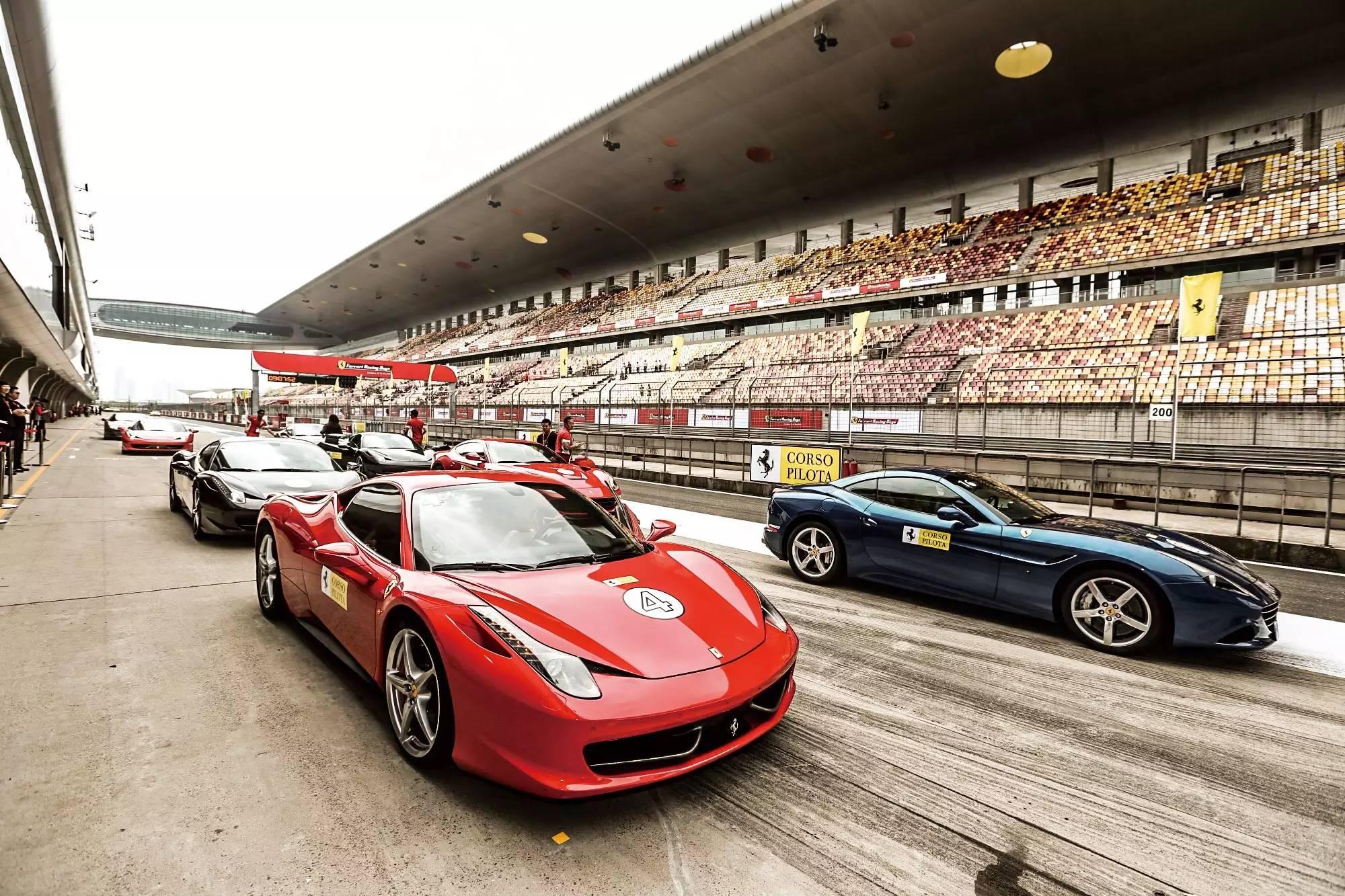 """""""1050匹马""""蹂躏上赛道—Ferrari FXX 003"""