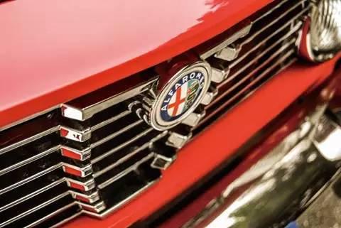 一车一世界 Alfa Romeo Giuli 002