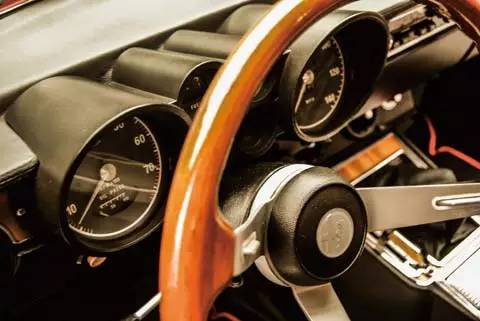 一车一世界 Alfa Romeo Giuli 003