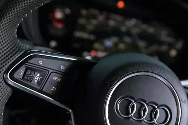 甩掉白富美 Audi TT 005