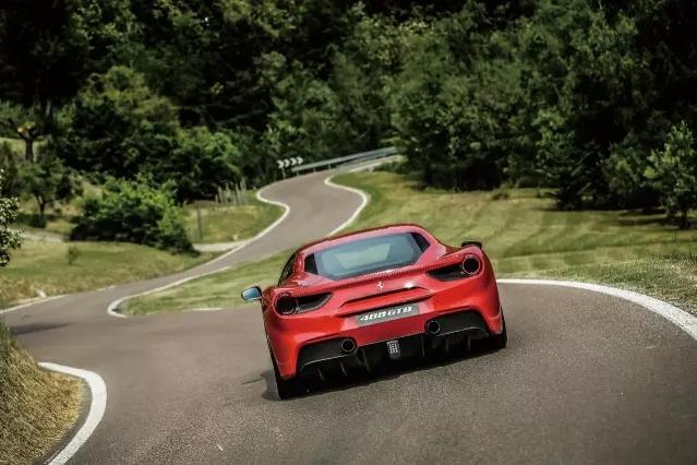 史上最强神马  Ferrari 488 GTB 012