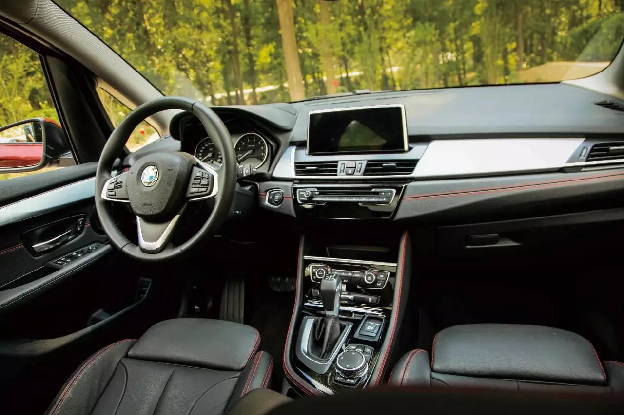 BMW 2系多功能旅行车 002