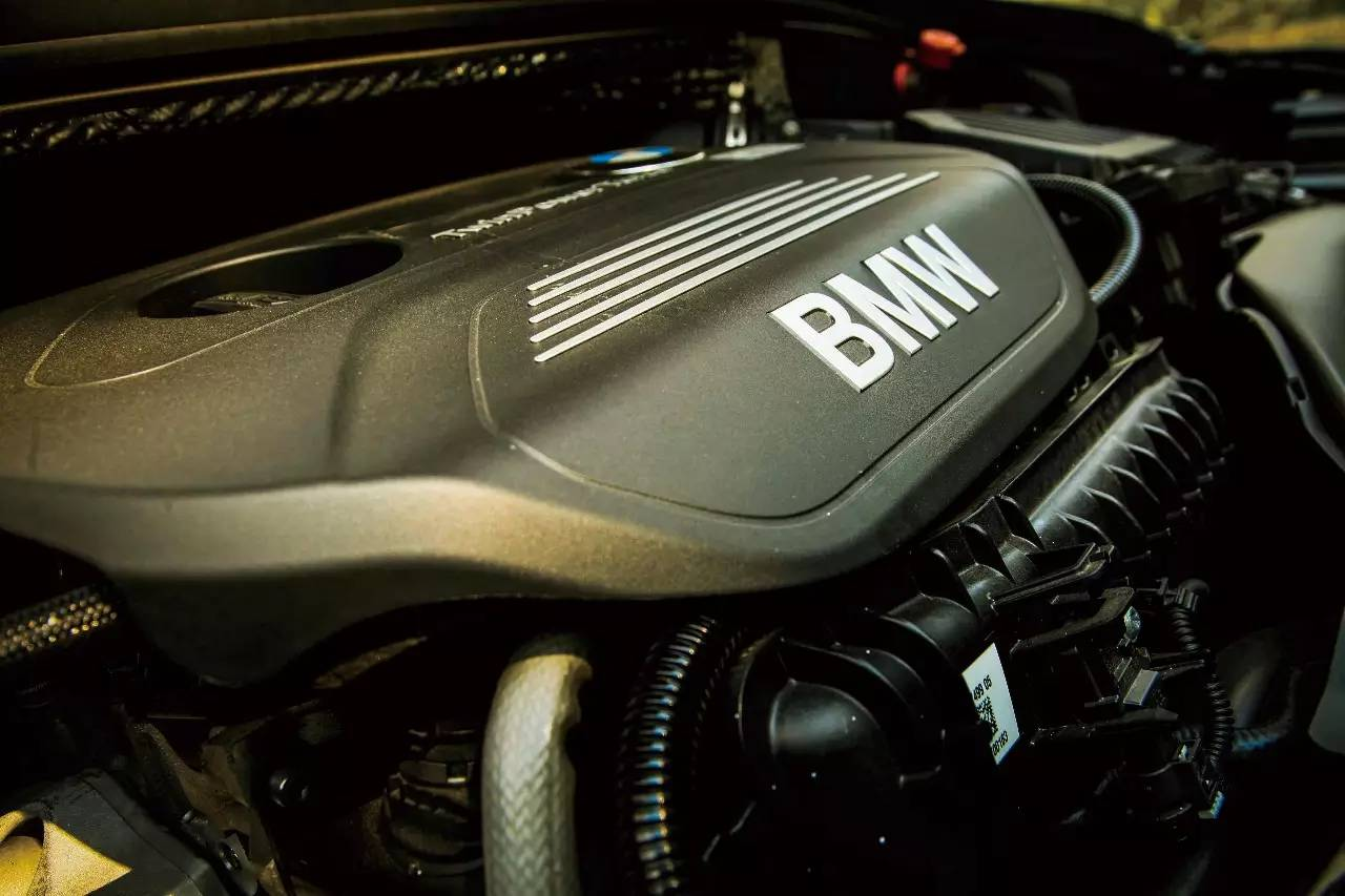 BMW 2系多功能旅行车 005