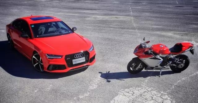 速度与激情 Audi RS7 & Agusta F4 002