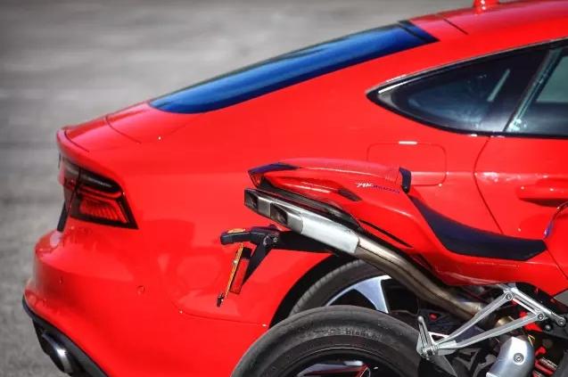 速度与激情 Audi RS7 & Agusta F4 004