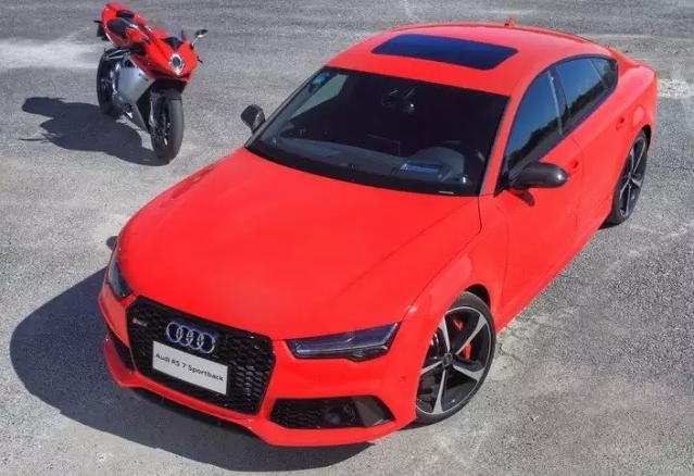 速度与激情 Audi RS7 & Agusta F4 005