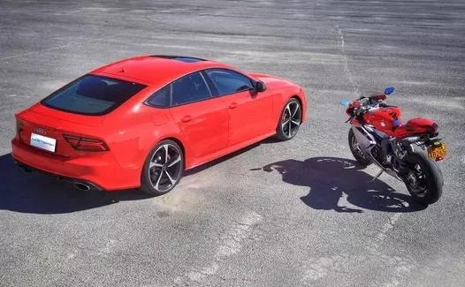速度与激情 Audi RS7 & Agusta F4 006