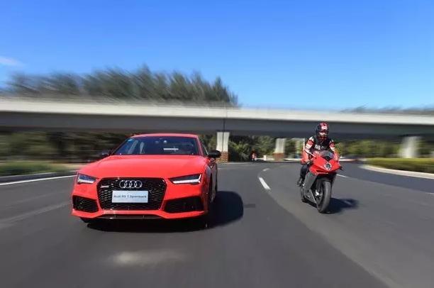 速度与激情 Audi RS7 & Agusta F4 007