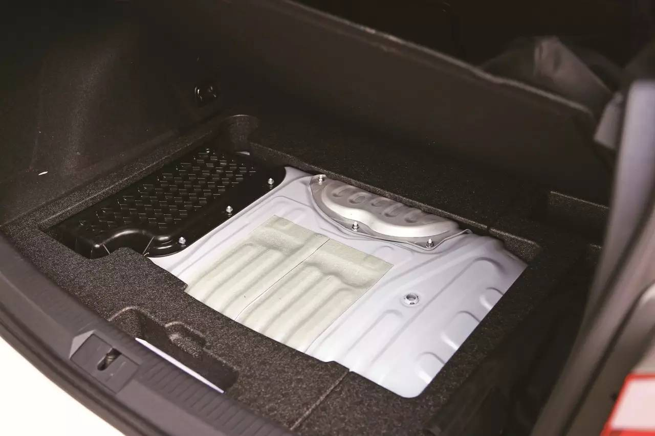 Volkswagen Golf GTE 003