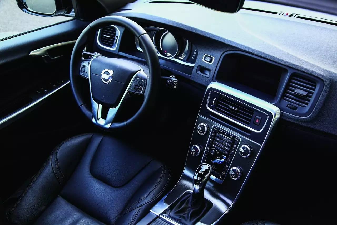 我就是不喜欢SUV Volvo V60 C 005